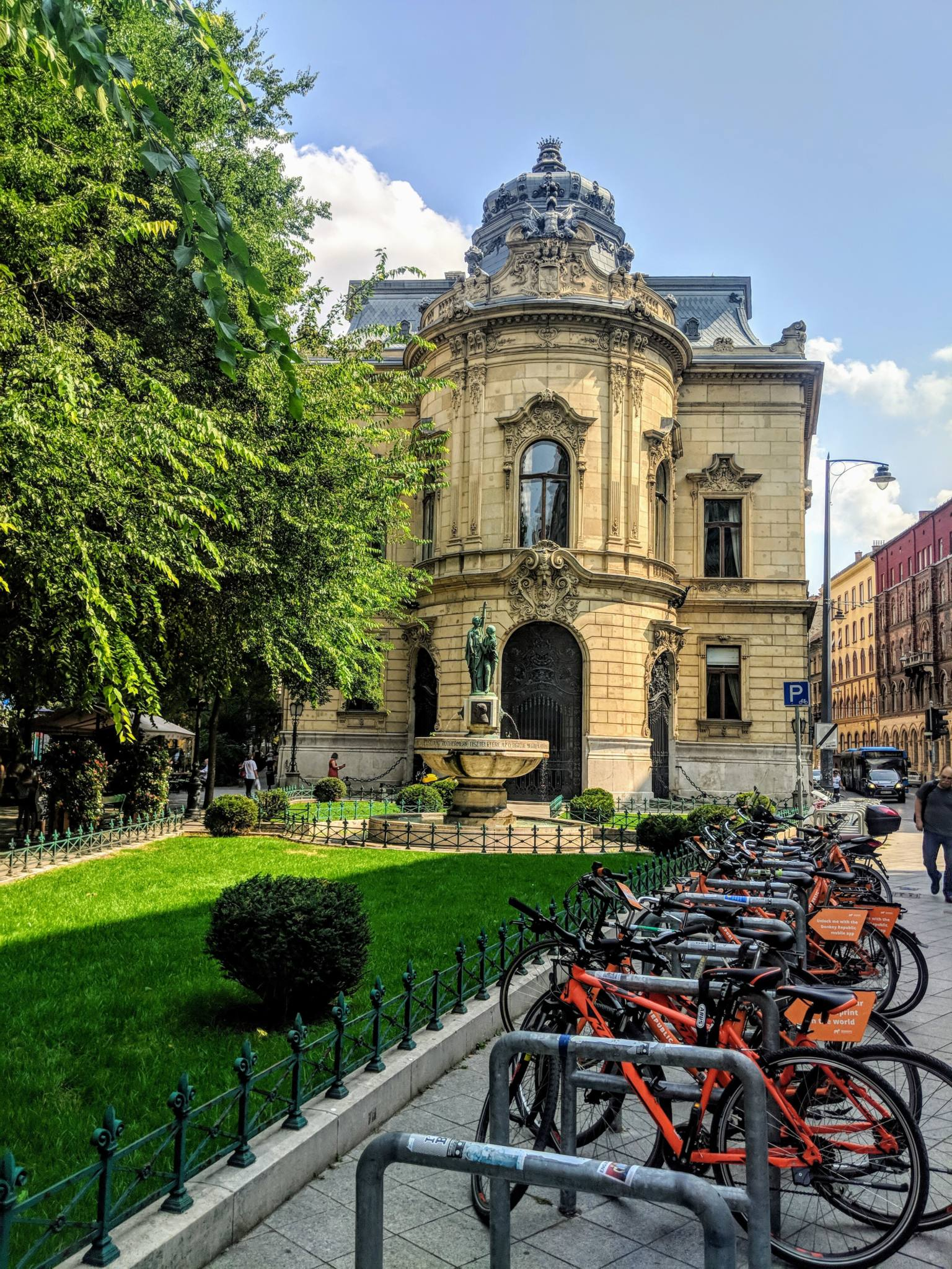 12 Ridiculously Awesome Hidden Gems in Budapest 2