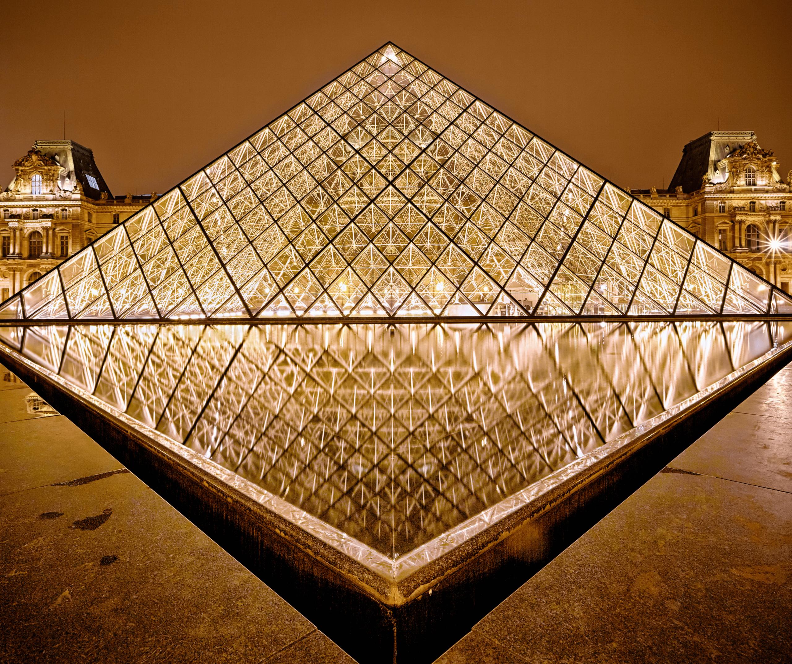 visit a museum virtually